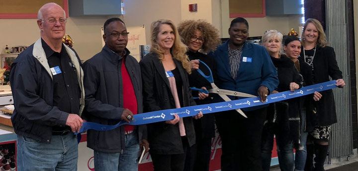 ribbon-cutting-love-on-your-lips