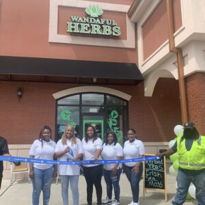 Community herb and vitamin shop opens in Duluth